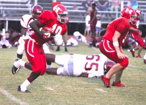 D'Kovin Ware (10) scored two touchdowns in Haughton's junior varsity victory over Minden Monday.