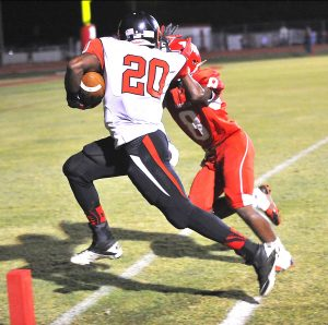 Jere Grice/Press-Tribune Stacy McCray scores the first of his two touchdowns in Parkway's 34-3 victory over Haughton Friday night.