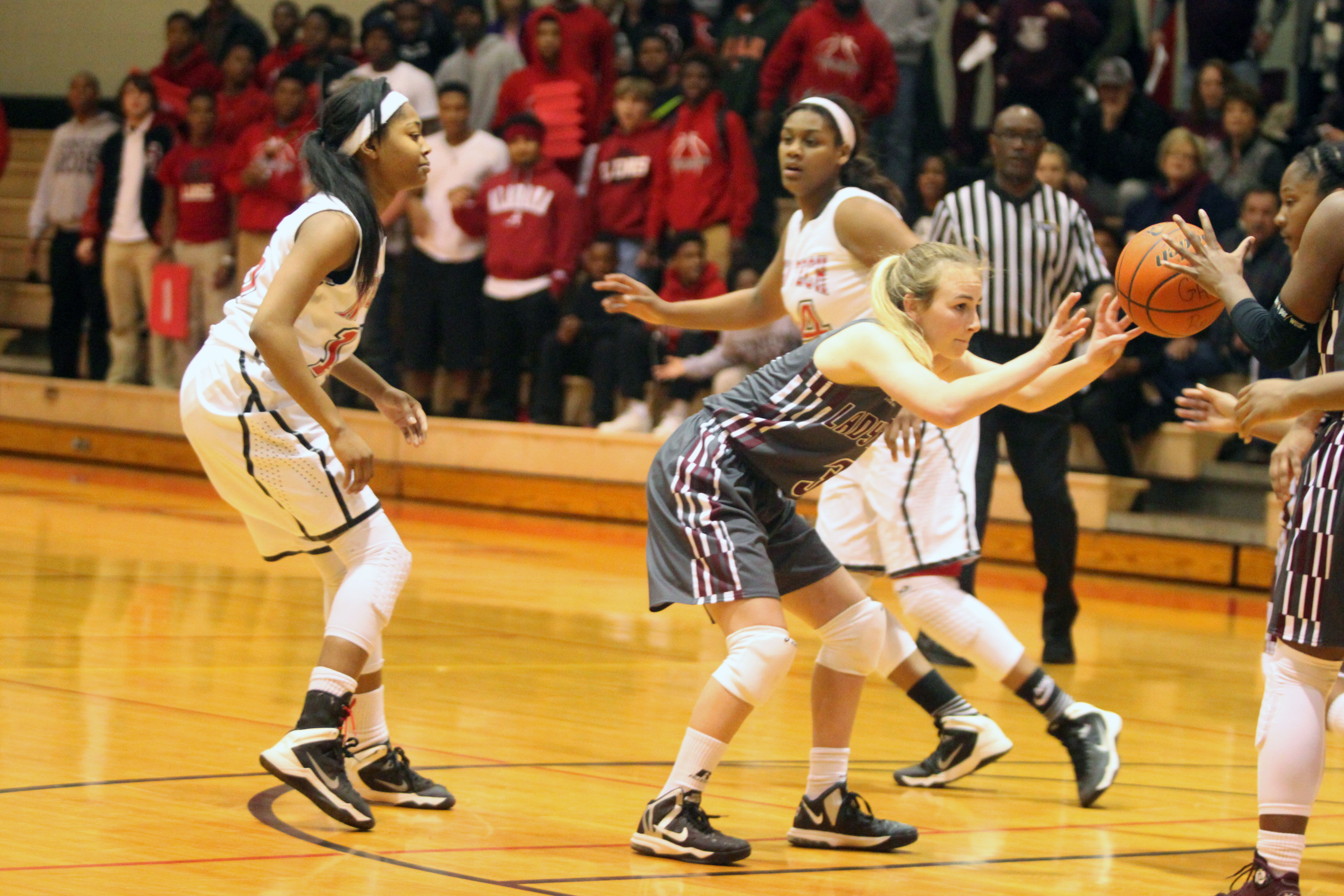 plain dealing single catholic girls Newman catholic girls basketball, wausau, wisconsin 205 likes 1 talking about this the official facebook page of wausau newman girls basketball.