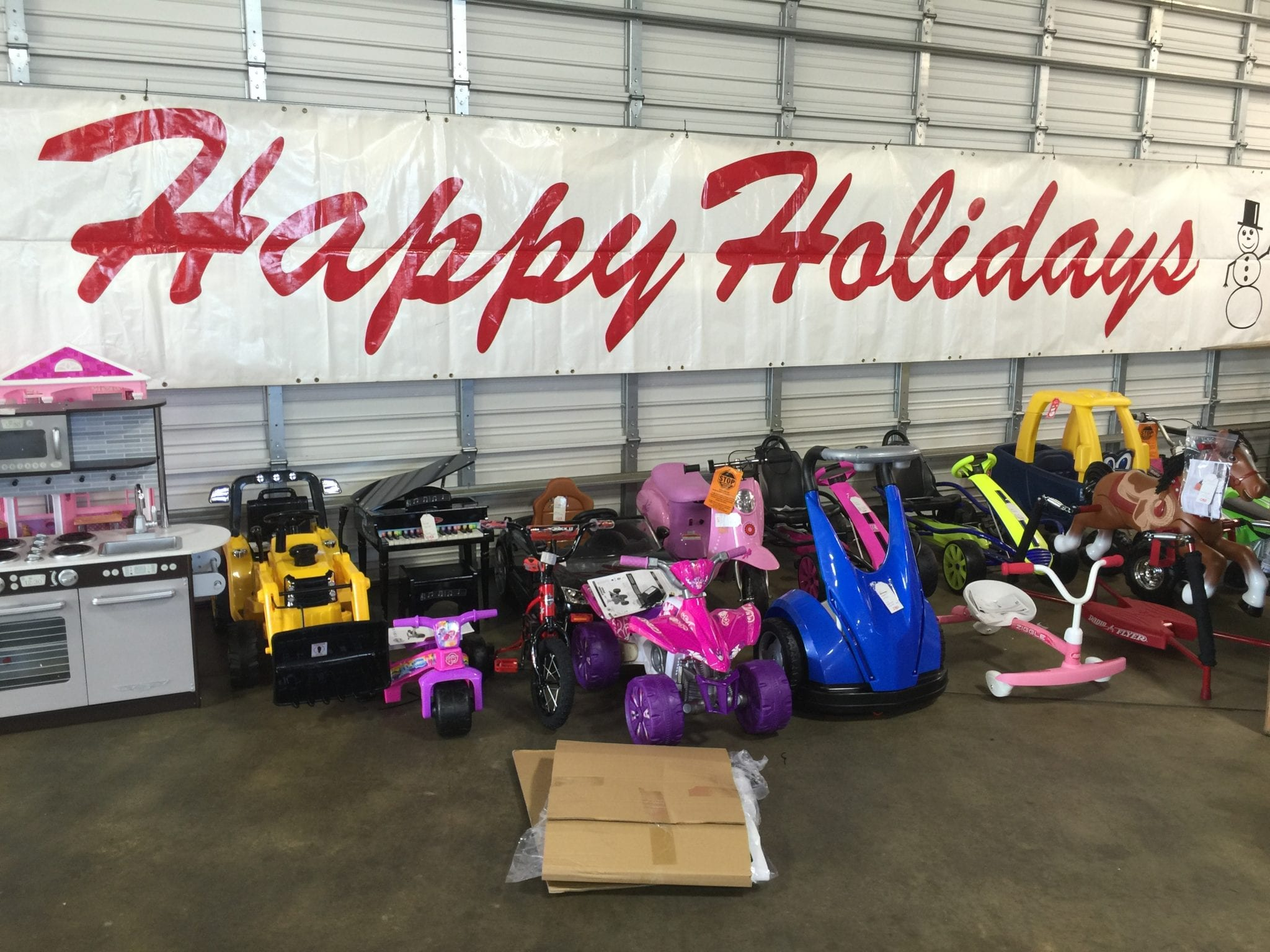 red river chevrolet in bossier city offers free holiday gift and toy assembly bossier press. Black Bedroom Furniture Sets. Home Design Ideas