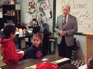 Bossier City Mayor Lo Walker speaking to Meredith Starks' 3rd grade class at Bellaire Elementary.