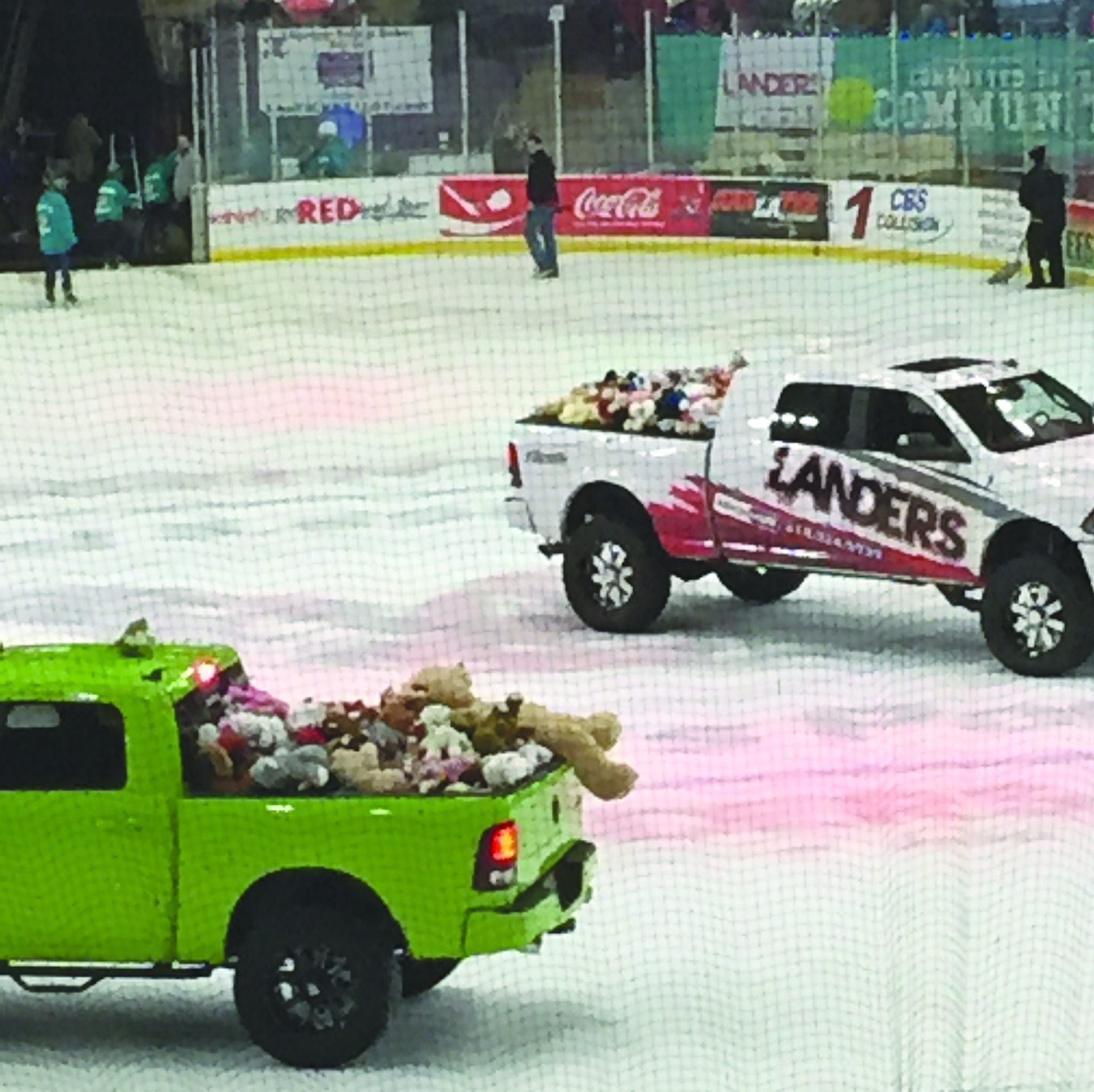 Mudbugs Hockey Collects Teddy Bears For Area Children